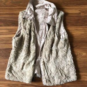 CABI Sleeveless Reversible Vest, Fur/Satin (L)